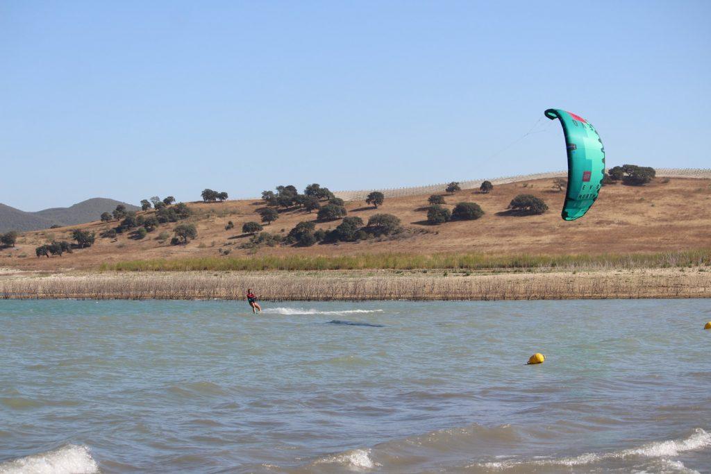 kitesurf pantano bornos